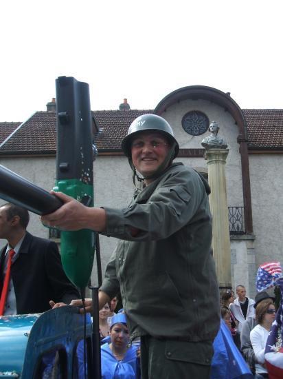 Le Club PEUGEOT 403-203 Franc-Comtoises au Carnaval de Rioz
